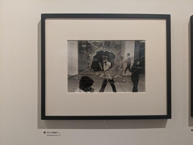 A Photograph of 'Calle Alameda, Santiago' (1983) by Álvaro Hoppe